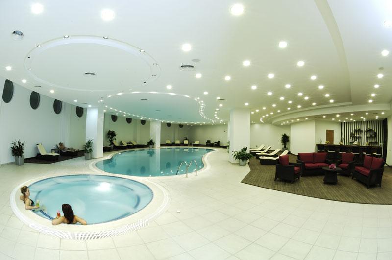 Human Roleplay Pictures Indoor-pool